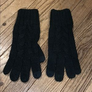 GUC GAP Black Knit Gloves